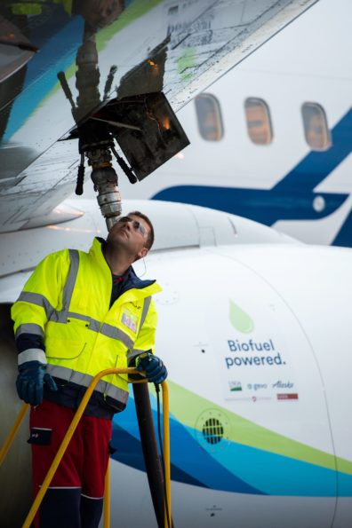Alaska Airlines flight 4 fuels up with biojet made from wood
